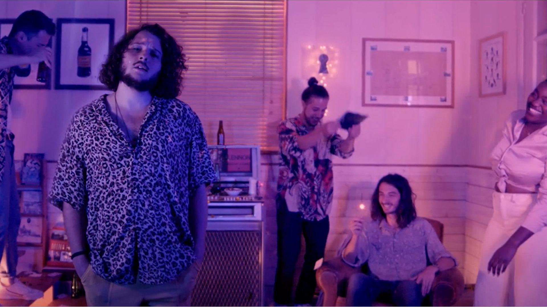Le nouveau clip d'Upseen, Half Moon, douceur d'une nuit d'été